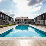 Construir una piscina en la comunidad