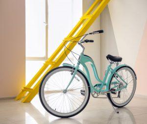 ¿Puede mi vecino dejar su bicicleta en zonas comunes?